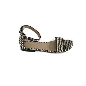 Ann Taylor Straw Flat Sandals Sz 7.5